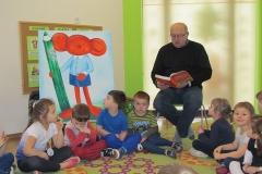 Dziadzio Jasia czyta bajki
